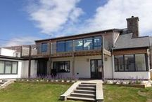 Eight Bells / Refurbishment and adaptations of a 1960's property on Anglesey, North Wales