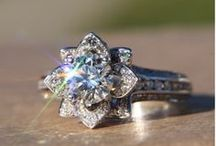 Dream Wedding Rings / by Caitlin Molloy