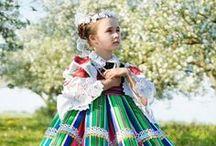 Traditional costume/伝統衣装
