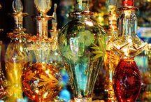 Perfumeros / ... con historia / by Luisa Baum