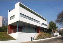 Weißenhofsiedlung - Stuttgart / Inside City Guide - Stuttgart  Die Weißenhofsiedlung in Stuttgart gehört mit den weißen Stadthäuser in Paris (Le Corbusier), mit der De Stijl Bewegung aus den Niederlanden, das Neue Frankfurt und dem Bauhaus zu den einflussreichsten Vorbildern der modernen Architektur.