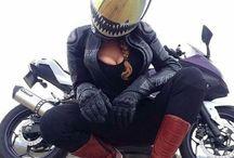 Motos y Mujeres..!! Que Buena Combinación