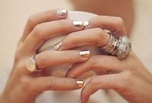 NAILS, LET'S GET CREATIVE !