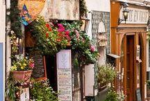 Vintage Inspired Honeymoon | Topazery / Beautiful romantic vintage inspired honeymoon destinations we love.