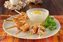 Foodie inspiration: Snacks & light meal ideas / by Fatima CM