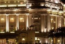 Singapore's Luxury Hotels / Collection of Singapore's top luxury hotels.