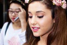 Ariana Grande/Cat Valentine