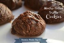 Delicious / Delicious cookie recipes, dessert recipes, entree recipes, crockpot recipes  / by Twillypop