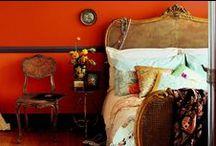 Modern Bedroom Decor / Modern Bedroom Decor