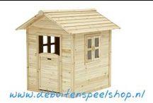 Houten Speelhuisjes & Kunststof Speelhuisjes / Groot assortiment aan kunststof en houten speelhuisjes voor buiten. Geschikt voor kinderen vanaf 2 jaar.