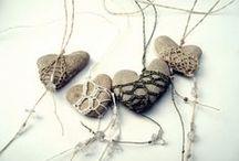 wraps stones