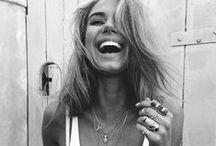 Smile. / smile, sourire, douceur de vivre, joie de vivre, joy, enfant, kids, love, amour, peacefull, peace, femme, homme, gens, people, fun, funny, drôle, rire, laugh, acteur, actrice, monde, paix, vie, life, lifestyle, bonne humeur