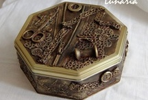 ALTERED BoXeS TrAyS CloCkS