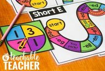 Teaching Phonics / Phonics activities and teaching strategies for Kindergarten reading, first grade reading, and struggling readers. Ideas for phonics rules and phonics games. Learning to read ideas | reading curriculum | teach reading | classroom reading activities | elementary reading | first grade reading | second grade reading | reading intervention | reading ideas for teachers | elementary phonics activities | phonemic awareness | digraphs worksheets | blends | word sounds | reading worksheets