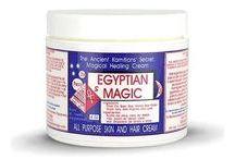 Egyptian Magic Cream / Az Egyptian Magic krém az egyszerű és természetes összetételével hódítja a világot, rendkívül hatásos sokféle bőrpanaszra, irritációra, érzékeny bőrre ajánlott. Masszázskrémként mélyen beszívódik és rugalmassá teszi a bőrt.  A kisbabák érzékeny bőrére is használható!