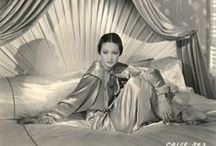 early to bed / sleep, importance of sleep, arianna huffington sleep,