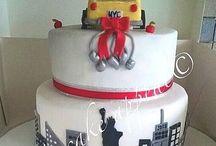 Wedding/engagement cake inspiration / Mix of wedding cakes and engagement cakes done by me and other amazing pinners on here! ☺️