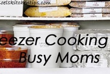 Freezer Cooking To Crock Pot / Finding and pinning your favorite freezer cooking recipes and ideas on Pinterest is a great way to plan your weekly menu while stocking your freezer.