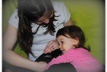 Húsvéti nyuszisimogató 2015. / Mint minden évben, idén is Húsvétoltunk, pihe-puha, simogatni való nyuszival vártuk a babákat és a mamákat! Nézd, hogy tetszett a nyuszi a babáknak! :)