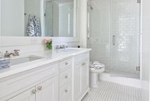 Bathroom / by Life Mixt
