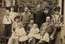 Royal Family / Images of the Queen Mary Royal Family