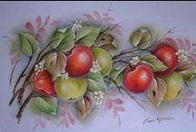 Pintura em Tecido - Frutas 1 / Trabalhos com riscos, riscos avulsos de pintura em tecido, pricipalmente frutas