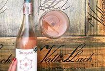 Nuestros vinos / En TuSommelier escogemos los vinos que más se ajusten a tu paladar. Cuéntanos que te gusta comer y te enviamos 3 vinos mensuales a la puerta de tu casa.  ¡ Te presentamos nuestros vinos!