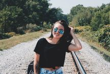 Bipolar Family - Sarah's Journey Battling Anxiety, Depression, and Mental Wellness / At the age of 16 Sarah, my daughter, was diagnosed with Social Anxiety Disorder and Depression. Here she blogs about her lived experiences and journey towards mental and physical wellness