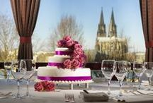 Weddings  / Whether you dream of an intimate gathering of your closest family and friends or a lavish party for hundreds of guests, at Hyatt Regency Cologne you will find just the right scene for your wedding day.