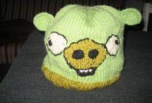 Crocheting and knitting, virkkausta ja neulontaa