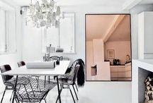 HOME / białe i czarne wnętrza / Inspiracje wnętrz w kolorystyce bieli i czerni