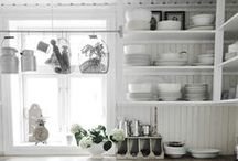 HOME | kitchens / Kitchens in a Scandinavian style
