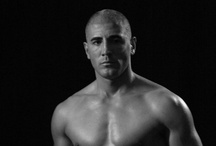 César Córdoba /  Dos veces campeón del mundo y de Europa de Thaiboxing (K1) Dos veces campeón del mundo de Kick Boxing (K1) (super welter y crucero) Campeón de Europa de Kick Boxing Campeón de España de Muay Thai, Kick Boxing, Full Contact.