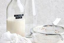 Homemade Nut & Seed Milks / instagram.com/loquetedigalarubia/