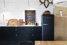 Black Kitchen / What's not to love about a black kitchen?