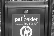 Psi Pakiet / PSI Pakiet - Projekty systemów infrastruktury.  Psie kupy na miejskich osiedlach to problem, który pomagamy rozwiązać, oferując funkcjonalne urządzenia z ekologicznymi workami na psie odchody i pojemnikiem zbiorczym.