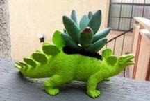 dinosaurs, dinosaurs everywhere!