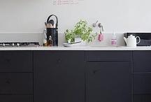 KITCHEN / keuken, aanrecht, keukenindeling, koken, fornuis