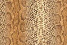 Animal skin wallpaper  / Faux skin wallpaper / animal skin wallpaper / crocodile skin wallpaper / snake skin wallpaper