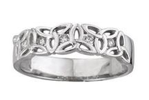 Irish Wedding / Beautiful ideas for a Celtic wedding celebration!  Bridal party jewelry, wedding rings, tiaras, groomsmen gifts, Claddagh cake cutters, wedding gift ideas, and romantic destinations!