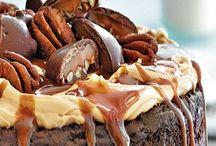 Cakes / by Grace Moffitt