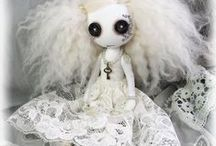 Ghost Art Dolls / Cute, creepy, ghost art dolls made from cloth and other materials