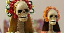 De todos los Santos y de los Muertos / Antes de que Halloween se hiciera tan popular en todo el mundo ya existían multitud de celebraciones en torno al 1 de noviembre y la noche de difuntos. Comparte con nosotros tus tradiciones favoritas en torno a esta festividad.