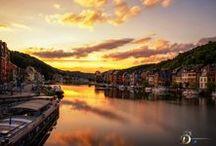 Dinant, Pays des Vallées / Dinant, baignée par la Meuse, est l'une des villes les plus touristiques de Belgique // Dinant, die doorstoken wordt door de Maas, is één van de meest toeristische steden van België // Dinant, crossed by the Meuse, is one of the most touristic cities of Belgium.