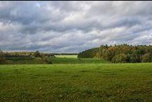 Condroz, Pays des Vallées / Le Condroz est l'une des régions les plus belles de Belgique, offrant aux visiteurs ses courbes généreuses, son alternance de forêts sauvages et de campagnes // De Condroz is één van de mooiste streken van België, en biedt de bezoekers golvingen en een afwisseling van ongerepte bossen en het platteland // The Condroz region is one of the most beautiful of Belgium, offering its visitors generous curves, and alternating wild forests and the countryside.