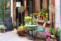 Charming Shops, markets and Storefronts / Romantic and retrò shops