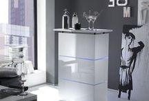 Die perfekte Hausbar / Sie suchen Inspiration für die Einrichtung Ihrer Hausbar? Wir haben für Sie tolle Möbel-Tipps und die Must-haves, die in keiner Hausbar fehlen dürfen!