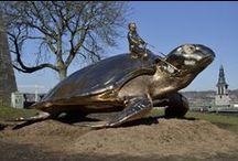 """La tortue de Jan Fabre, Searching for Utopia, Namur. / Searching for Utopia, l'oeuvre monumentale de Jan Fabre, est installée depuis mars 2015 sur la colline de la Citadelle de Namur. Elle faisait partie de l'exposition-événement """"Facing Time, Rops/Fabre"""". """"La Tortue"""", comme l'appelle simplement les Namurois, est restée à Namur après l'expo et domine aujourd'hui la ville, pour le plus grand plaisir de tous."""