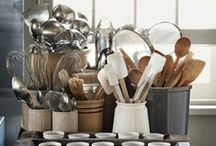 Baking storage and organisation ideas / Fabulous ideas for storing and organising all those goodies that come with baking (so you can create room to store more!)