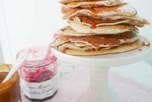 Pancakes | Pfannkuchen / Kann man besser in den Tag starten als mit Pancakes zum Frühstück? Nein! Und Pfannkuchen können mehr als man denkt! Hier findest du eine Auswahl an leckeren Pancake Rezepten: egal ob Pancakes mit Früchten oder Schokolade, herzhafte Pancakes oder ausgefallene Pancakes, hier findet jeder was er sucht.